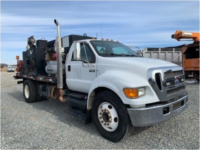 View 2004 FORD F650 - Listing #1078148