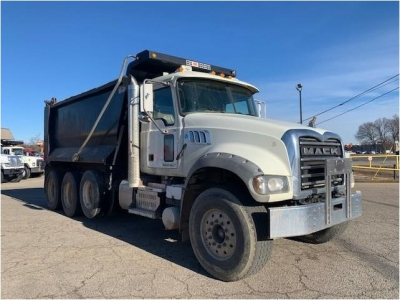 View 2016 MACK GRANITE GU713 - Listing #1108587