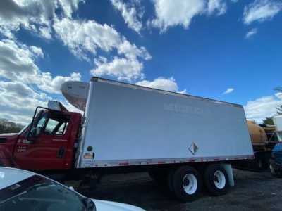 2003 INTERNATIONAL 7400 Specialty Truck Bodies
