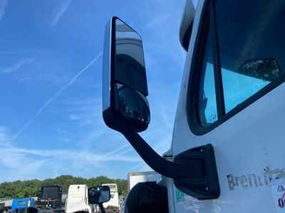 View FREIGHTLINER - Listing #1474423