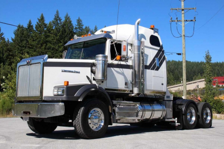 View 2013 WESTERN STAR 4900 LOW BED HIGHWAY TRACT - Listing #983133