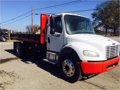 View 2004 FREIGHTLINER BUSINESS CLASS M2 100 - Listing #983229
