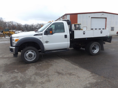 2015 FORD F550 Flatbed Trucks Truck