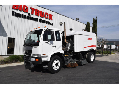 View 2009 NISSAN UD3300 - Listing #983570