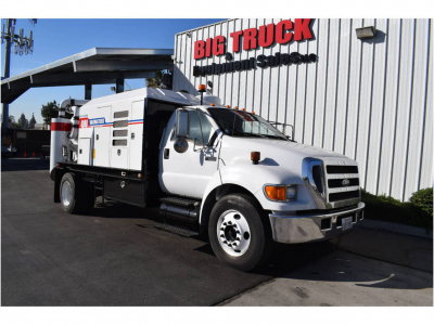 View 2004 FORD F650 - Listing #983598