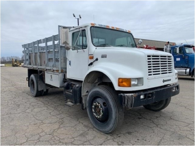 2001 INTERNATIONAL 4800 Flatbed Trucks Truck
