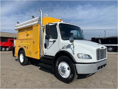 View 2011 FREIGHTLINER BUSINESS CLASS M2 106 - Listing #985591