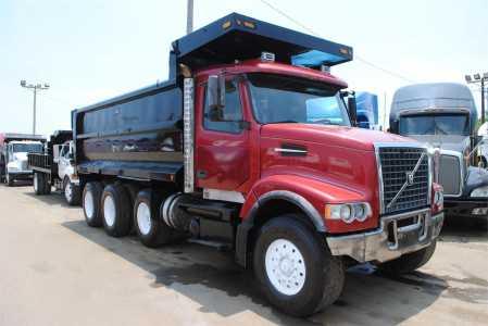 2005 VOLVO VHD64B-200 Dump Trucks Heavy Duty