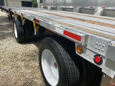 """View 2006 UTILITY UTILITY 48'X102"""" FLATBED COMBO - Listing #1140368"""