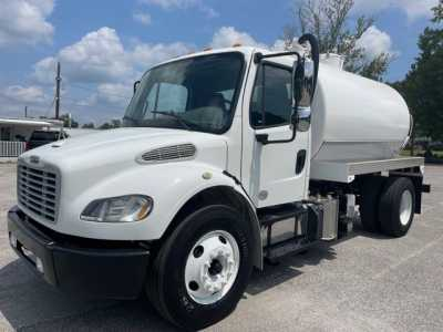 View 2015 FREIGHTLINER BUSINESS CLASS M2 106 - Listing #1522122