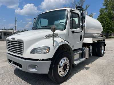 View 2013 FREIGHTLINER BUSINESS CLASS M2 106 - Listing #1522110