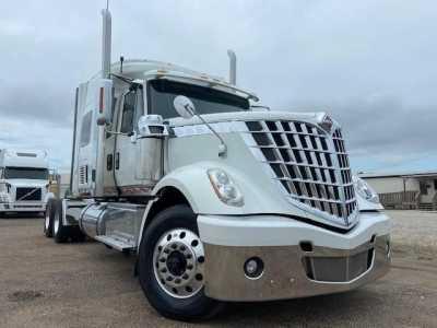 2016 INTERNATIONAL LONESTAR Sleeper Trucks Heavy Duty