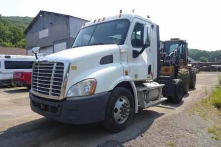 View 2011 FREIGHTLINER CASCADIA 113 - Listing #1578923