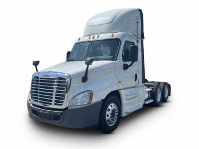 View 2014 FREIGHTLINER CASCADIA - Listing #1576384