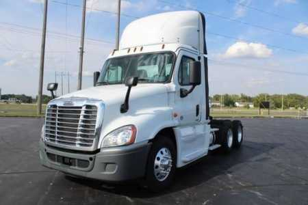 View 2017 FREIGHTLINER CASCADIA - Listing #1581819