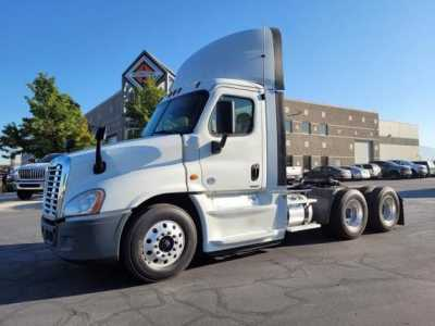 View 2018 FREIGHTLINER CASCADIA - Listing #1623798
