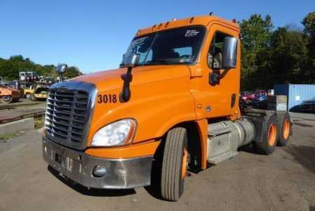 View 2015 FREIGHTLINER CASCADIA 125 - Listing #1626588