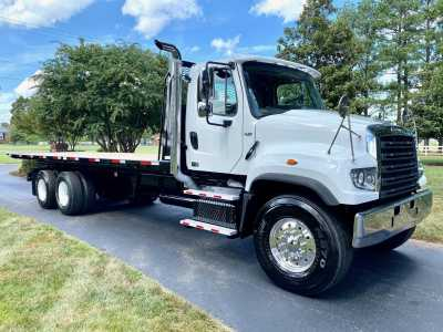 View 2012 FREIGHTLINER 114SD - Listing #1627252