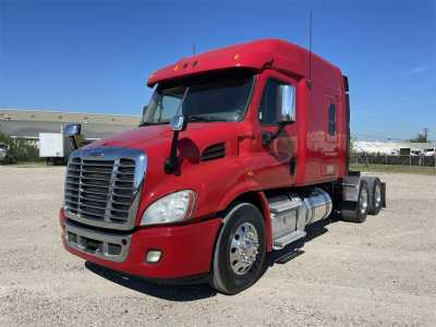 View 2015 FREIGHTLINER CASCADIA 113 - Listing #1627967